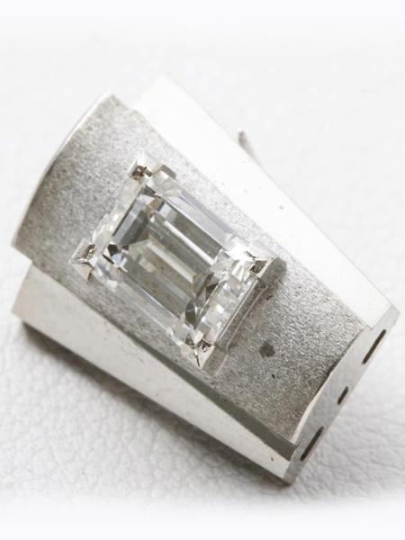 プラチナ ダイヤカフス